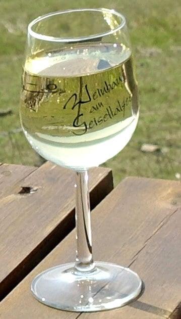 Weinglas am Geiseltalsee